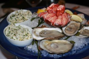 oysters eating out healthy